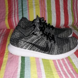 Womens Free Run Flynit Nikes